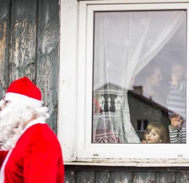"""""""Mamo, takiego Mikołaja i tylu prezentów nigdy nie widziałam"""""""