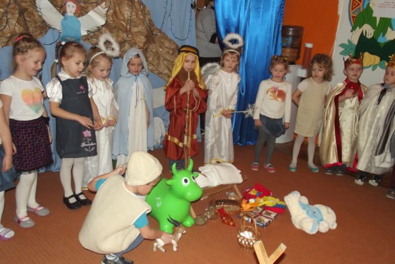 Przygotowanie do świąt Bożego Narodzenia w Przedszkolu Samorządowym Nr 1 w Łosicach