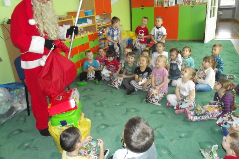 Mikołaj  w Przedszkolu Samorządowym Nr1 w Łosicach