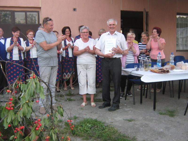 Spotkanie słuchaczy UTW w pasiece pana Ryszarda Wasiluka