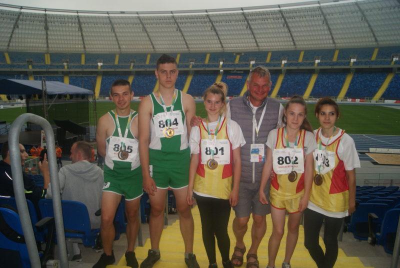 Medale dla uczniów OSW Łosice w Letnich Ogólnopolskich Igrzyskach Olimpiad Specjalnych
